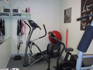 Exercise-room-eliptical